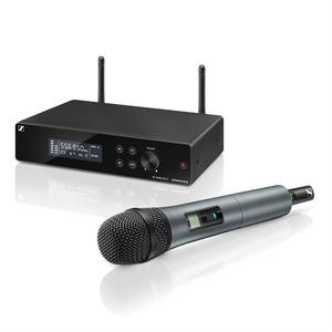 Sennheiser XSW 2-835-B Вокальная РЧ-система 614-638 МГц, 12 каналов,рэковый приёмник, ручной передатчик, динамический капсюль (835), кардиоида